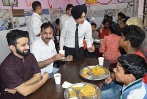 radisson-blu-paschim-vihar-team-celebrated-raksha-bandhan-with-balvihar-orphanage-2