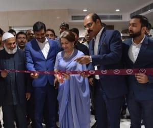 shrmila-tagore-inaugurating-malabar-gold-diamond-showroom-at-pusa-road-new-delhi