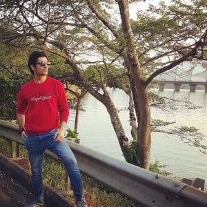 ssharad-malhotraa-in-scenic-backdrop