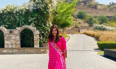 Mehreen Pirzadaa in Pink City