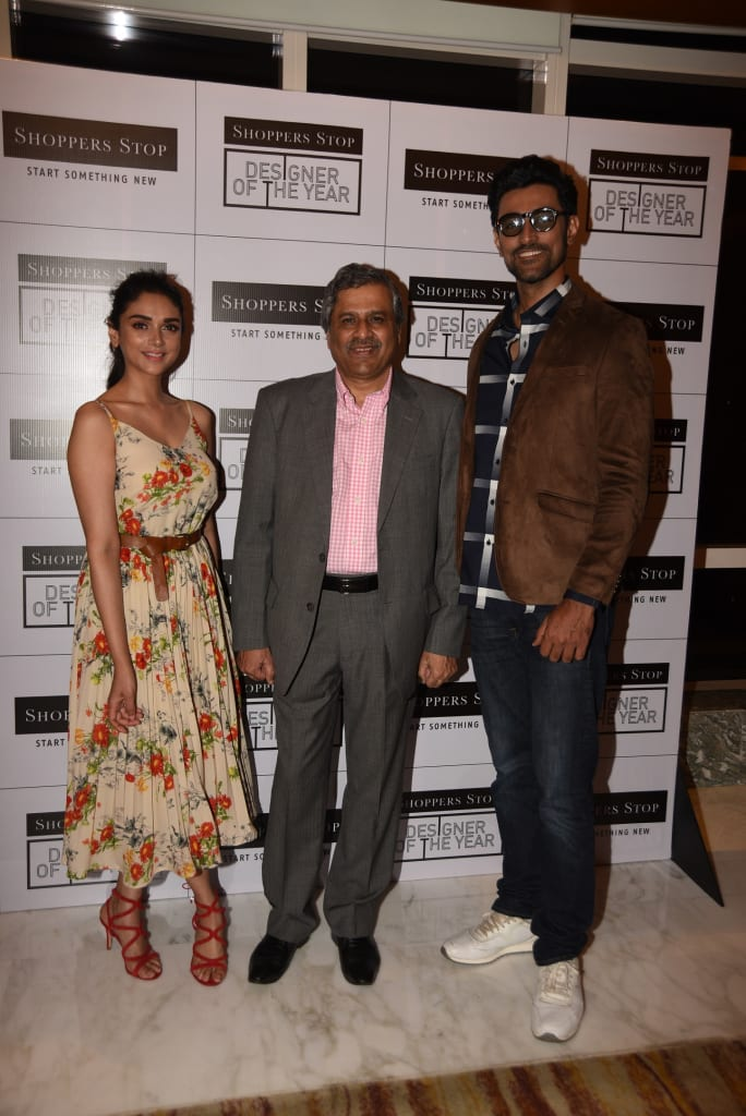 l-r-ms-aditi-rao-hyadri-mr-govind-shrikhande-md-shoppers-stop-and-mr-kunal-kapoor-at-designer-of-the-year-event-by-shoppers-stop