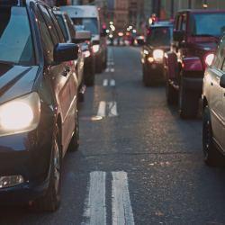São Paulo tem cada vez mais carros nas ruas. Créditos: Nabeel Syed