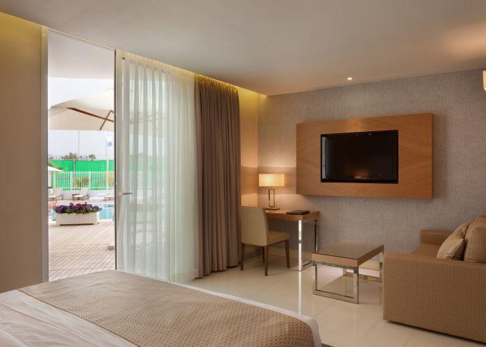 חדר דלקס במלון הריף אילת