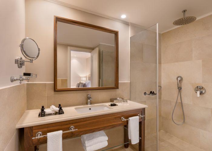 חדר סטנדרט מקלחת