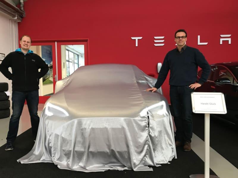 #ForgetHybrid. 100% Tesla