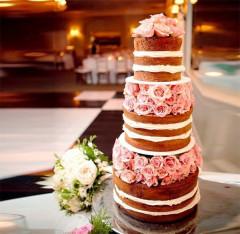 Hochzeitstorte fünfstöckig - naked Cake mit Rosen