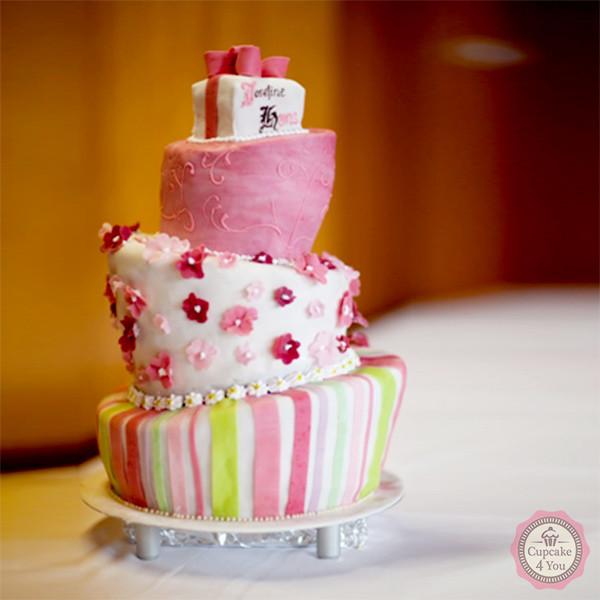 Torte dreistöckig - asymmetrisch - Geburtstagstorten