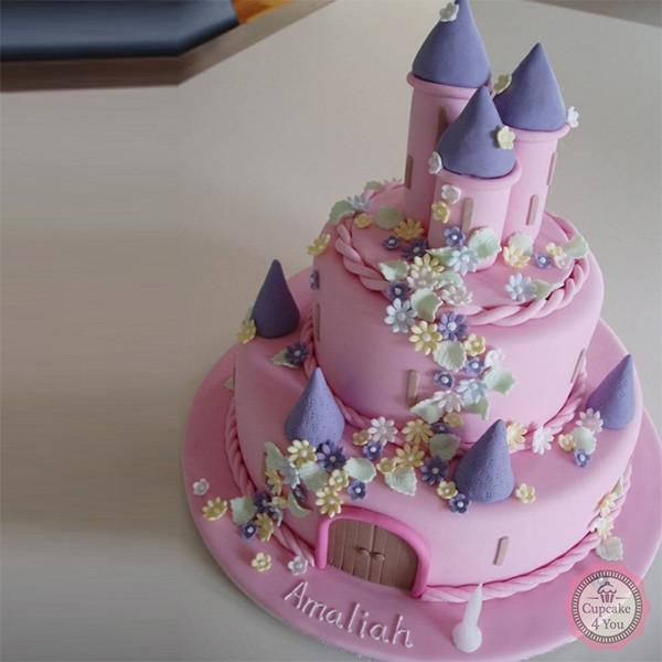 Motivtorte zweistöckig - Prinzessin Schloss - Torte di Compleanno Bambini