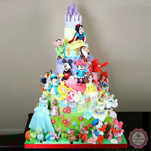 Motivtorte sechsstöckig - Disney - Kindergeburtstagstorten