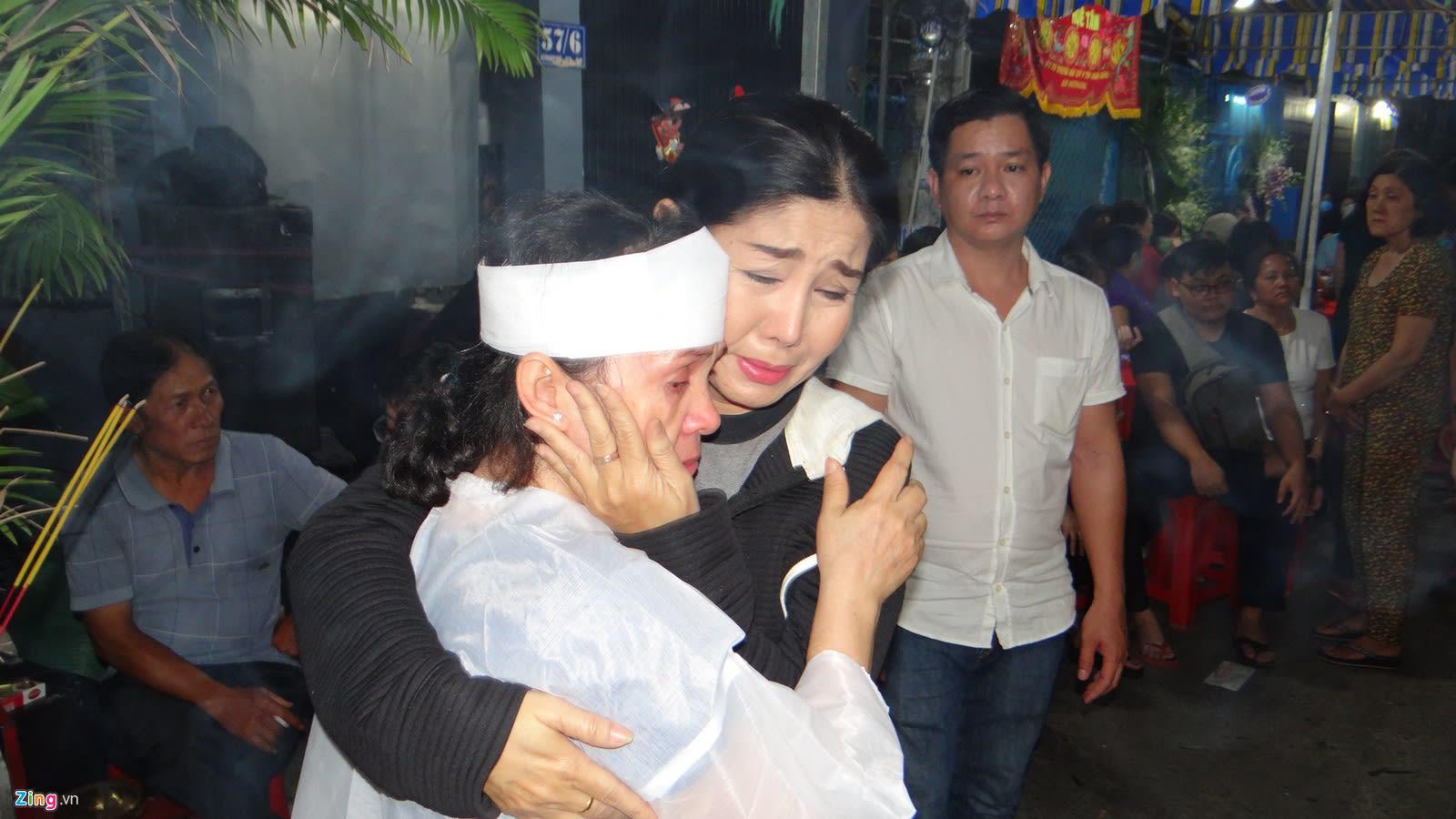 Thoai My, Tan Beo va nhieu nghe si cai luong den vieng NSUT Chieu Hung hinh anh 8