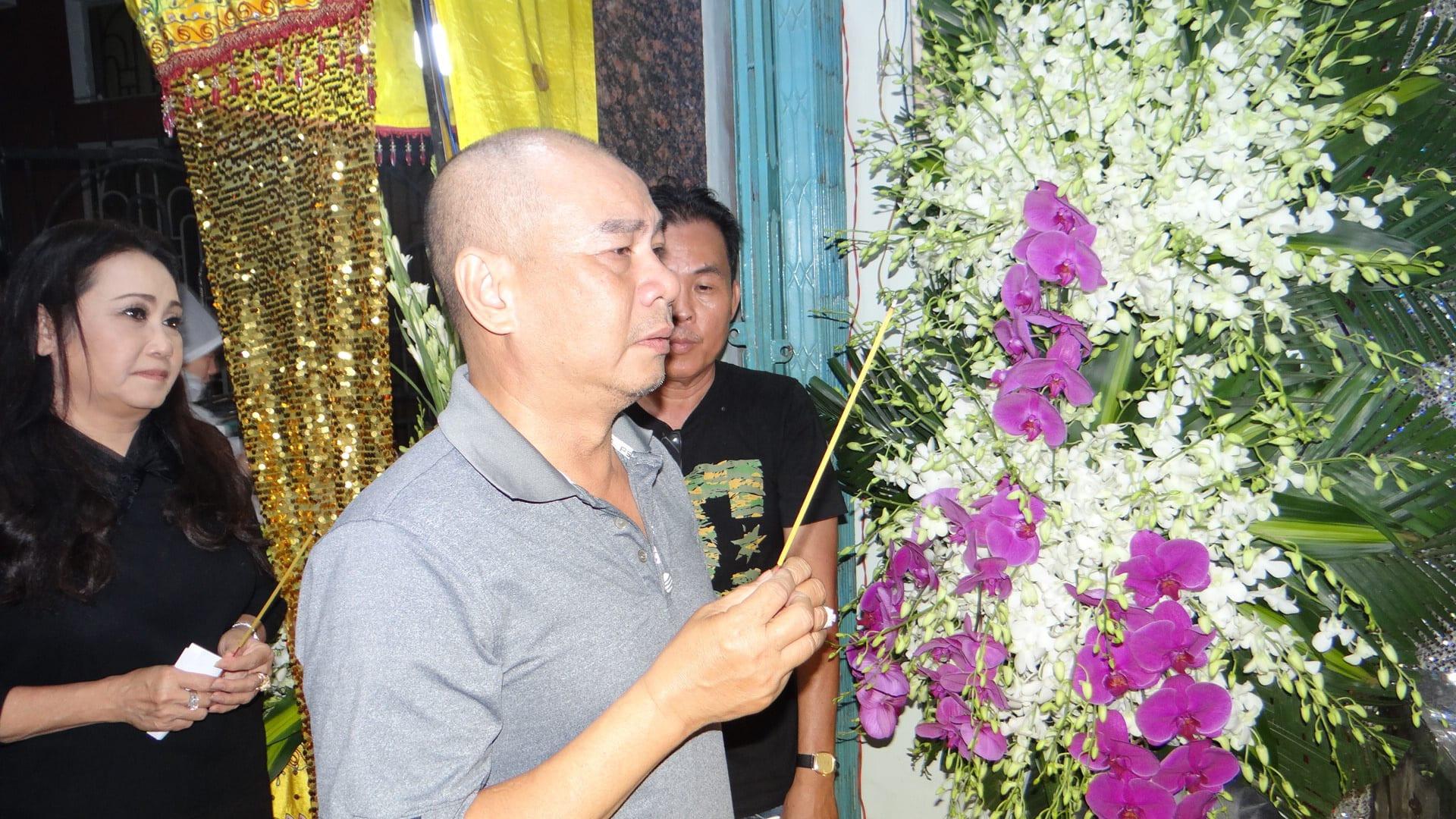 Khán giả ủng hộ 100 triệu đồng an táng NSƯT Chiêu Hùng - Ảnh 4.