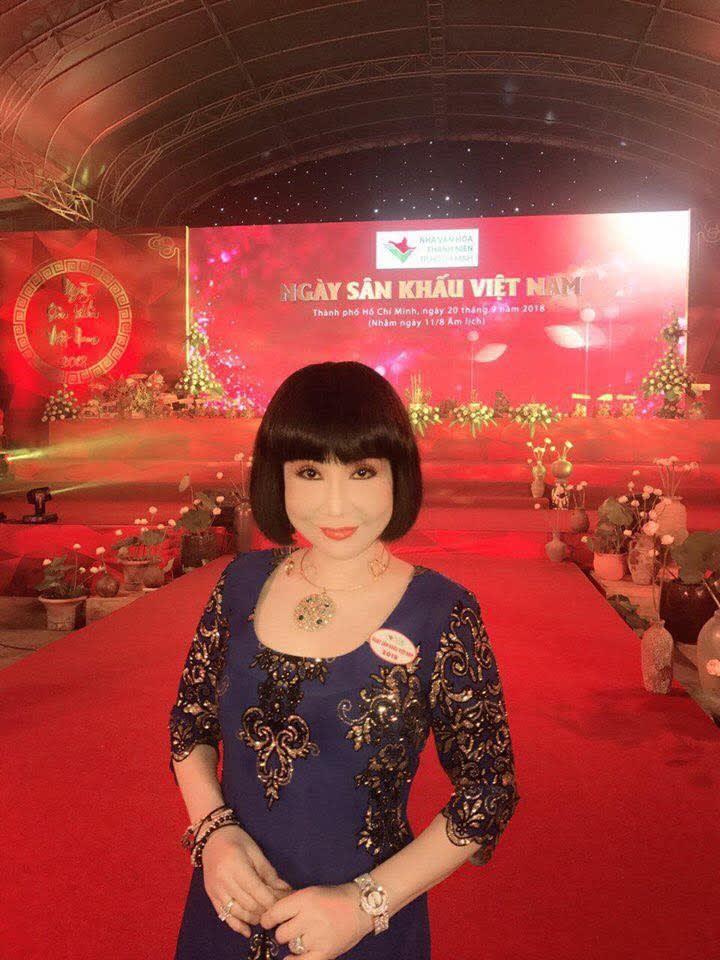 NSƯT Thanh Kim Huệ tại Nhà văn hóa Thanh Niên