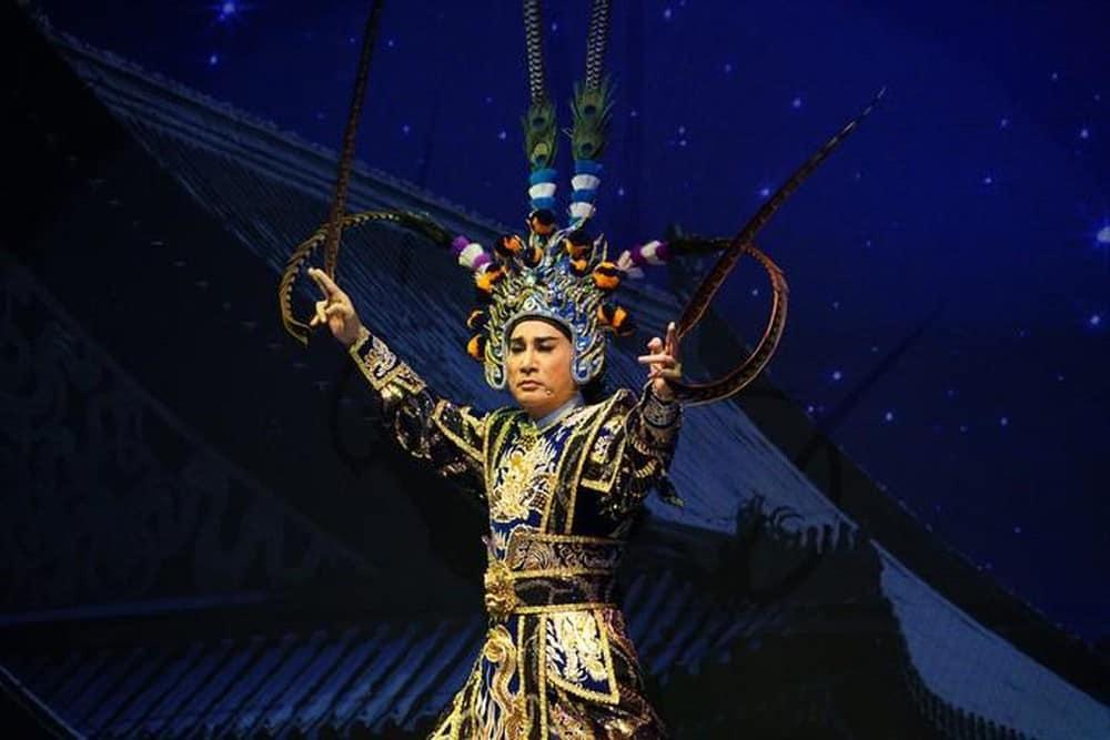 """NSƯT Kim Tử Long trong live show """"Thánh đường sân khấu"""""""