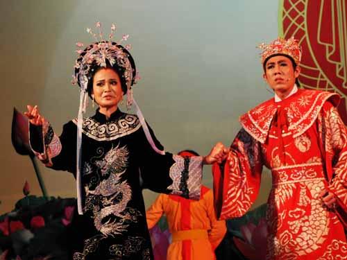 Diễn viên Hoàng Oanh (Long An) trốn viện dự thi với trích đoạn Đàm thái hậu (Dấu ấn giao thời)