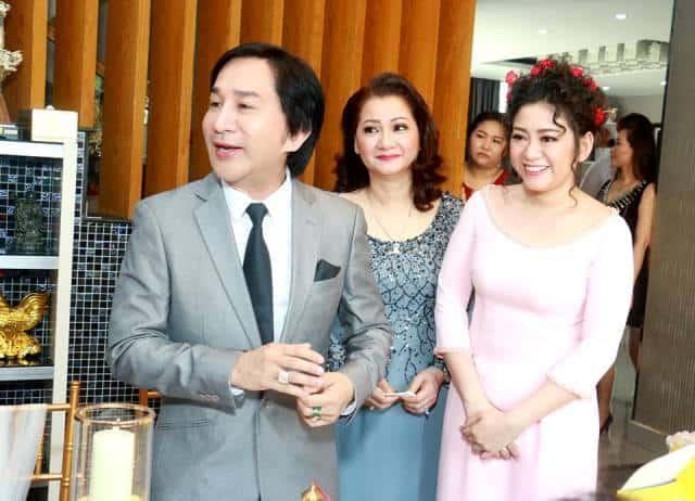 NSƯT Kim Tử Long và người vợ cũ, trong ngày đám hỏi con gái - diễn viên Kim Phụng