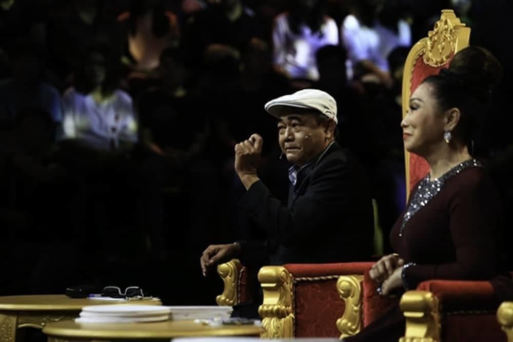 """Nghệ sĩ Việt Anh cho biết ông không chỉ thấy giọng ca mà một gương mặt sáng sân khấu. """"Giọng hát hơi trời"""" của cô khiến ông yêu thích thích bởi lột tả được tâm trạng của con người, nhấn đúng đài từ, tâm trạng nhân vật."""