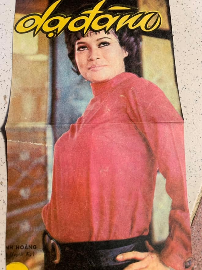 """Bo Bo Hoàng trên ảnh bìa tạp chí """"Dạ đàm"""" trước 1975"""