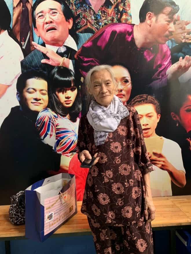 Bo Bo Hoàng ở tuổi 72 gầy hơn, khuôn mặt thay đổi nhiều, nhưng sức khỏe vẫn khá tốt