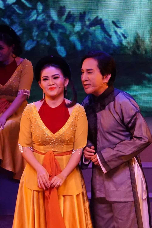 Khán giả Hà Nội xem live show của Kim Tử Long đến nửa đêm - Ảnh 11.