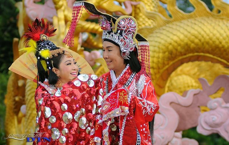 NSƯT Vũ Linh và NSƯT Thoại Mỹ trong Tần Chiêu Đế đại chiến ngũ hồ. Ảnh: Đại Nam Production