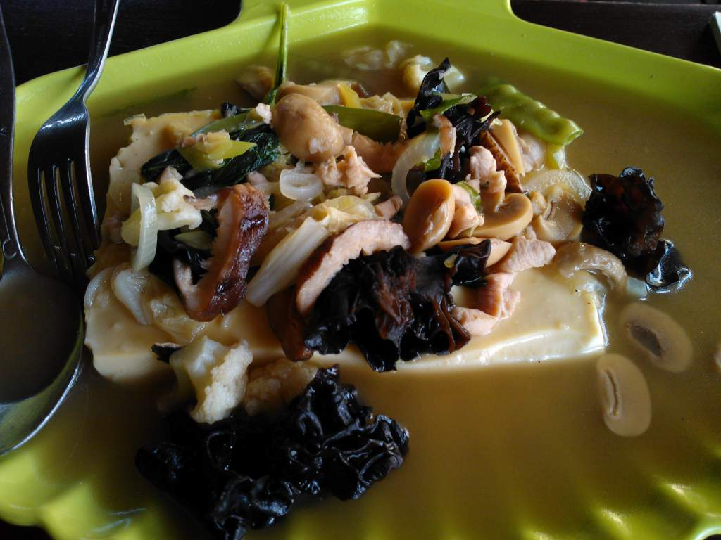 Steam Tofu Mix Jamur