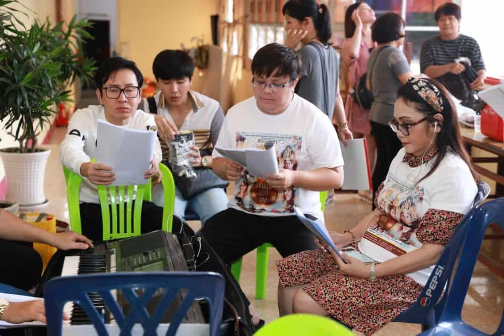 Gay tranh cai khi hat cai luong trong 'Duong quy phi', Thu Trang noi gi? hinh anh 1