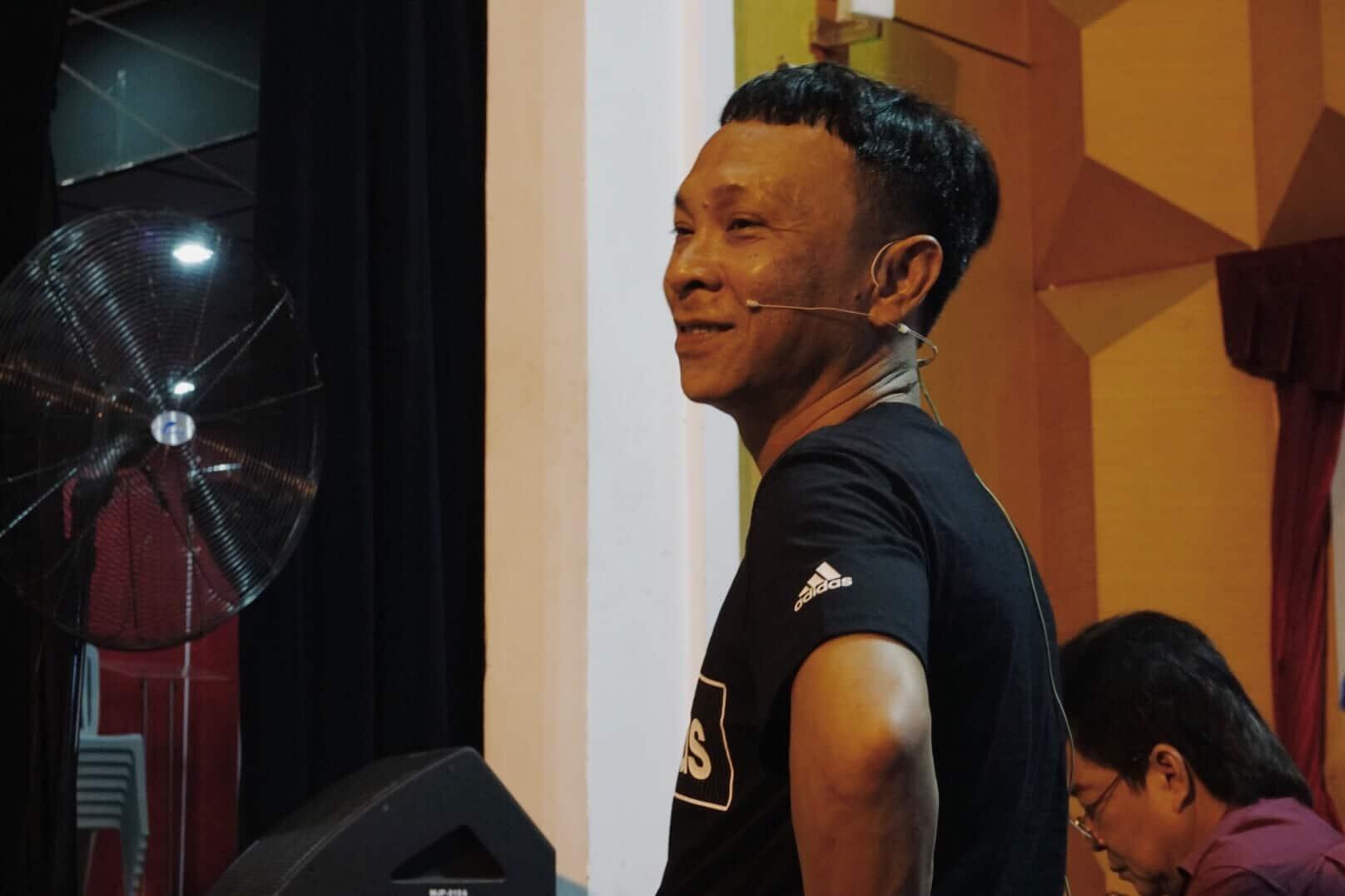 Nghệ sĩ Dũng Nhí giản dị và gần gũi sau ánh đèn sân khấu