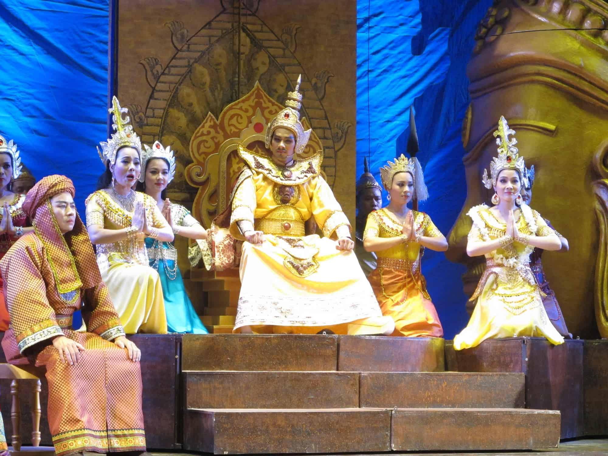 Ni sư Hương Tràng- một vở diễn lịch sử hấp dẫn của Nhà hát Cải lương VN, do NSND Triệu Trung Kiên làm đạo diễn