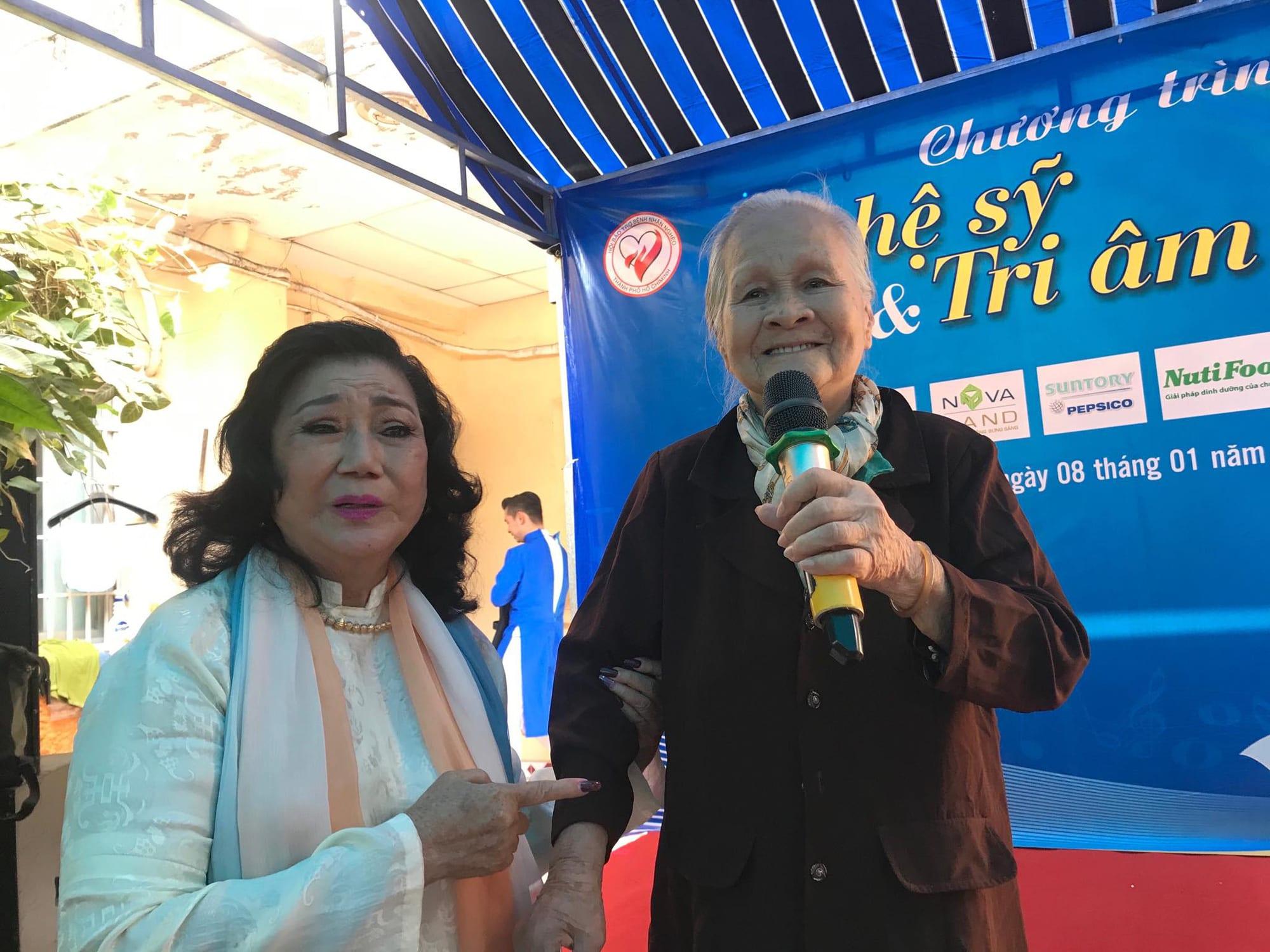 NSND Kim Cương dù bệnh vẫn trao quà Tết Nghệ sĩ tri âm - Ảnh 6.