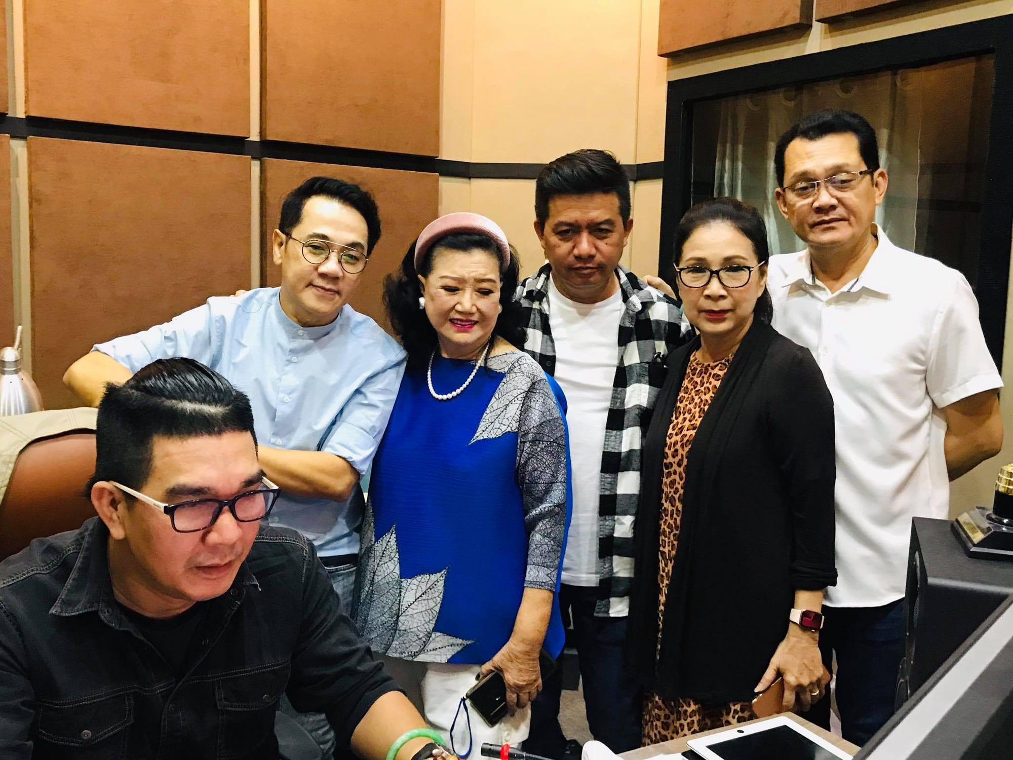 Thâm nhập hậu trường thu âm hồi ký Kỳ nữ Kim Cương cùng 3 nghệ sĩ - Ảnh 1.