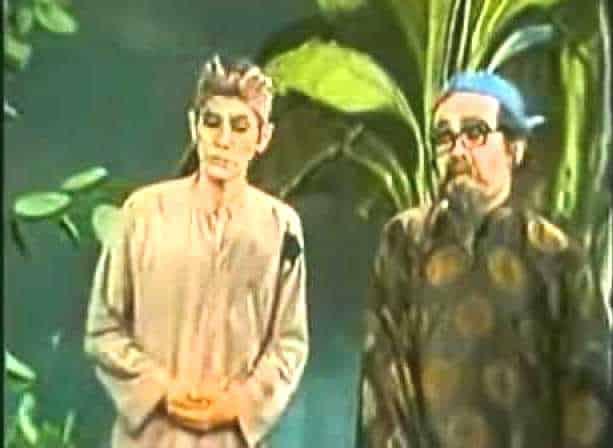 """Một cảnh trong vở tuồng """"Ngao sò ốc hến"""" kinh điển được khán giả xem truyền hình yêu thích thời đó"""