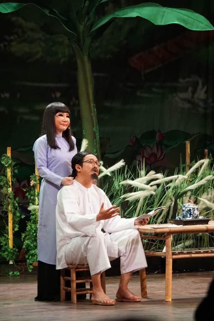 """NSƯT Thanh Kim Huệ và NSƯT Trọng Phúc trong vở """"Lan và Điệp"""""""
