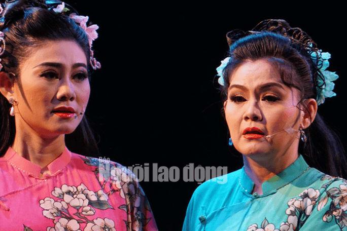 NS Trinh Trinh cứu nguy vở Tiên Nga, hóa thân hai vai trong suất diễn - Ảnh 2.