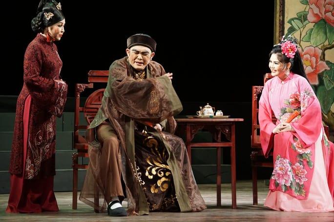 NS Trinh Trinh cứu nguy vở Tiên Nga, hóa thân hai vai trong suất diễn - Ảnh 5