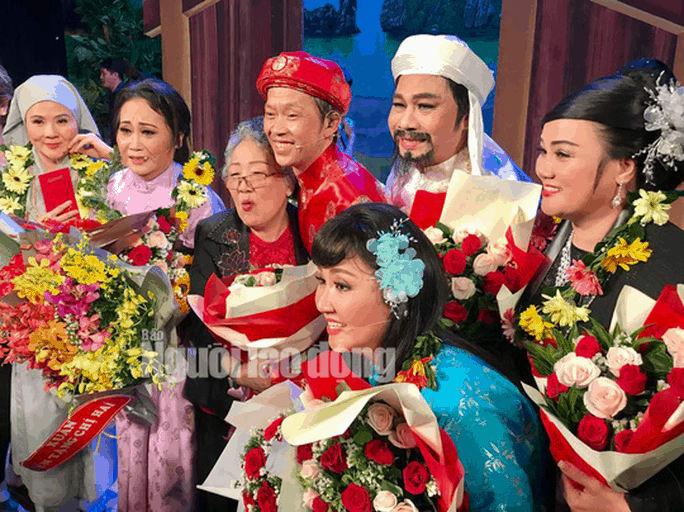 Danh hài Hoài Linh hé lộ nguyên nhân Áo cưới trước cổng chùa ăn khách - Ảnh 2.