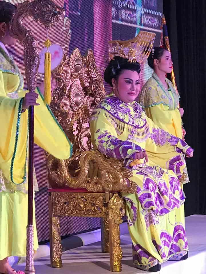 Nghệ sĩ Phạm Huyền Trâm hút hồn khán giả mê tuồng cổ - Ảnh 3.