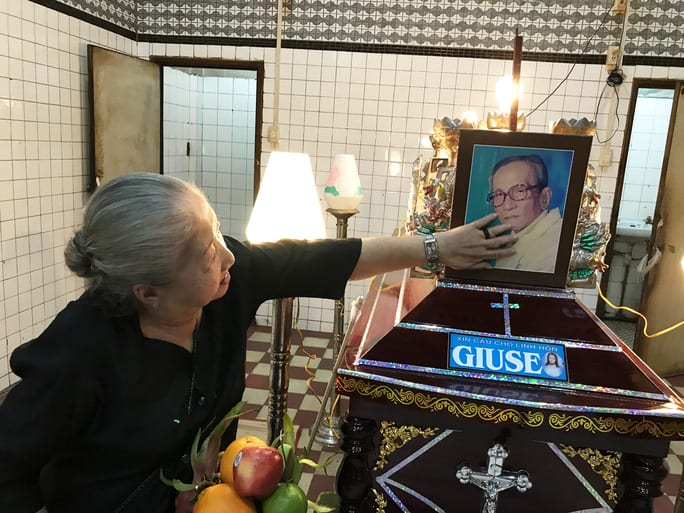 NS Thiên Kim tiễn biệt người thầy đáng kính