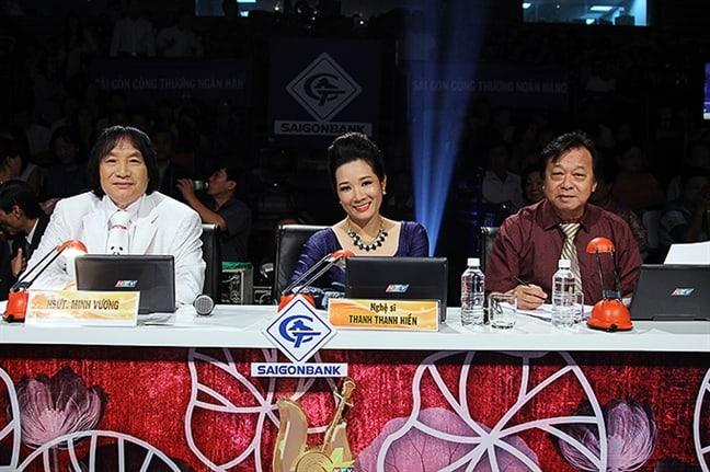 NSND Minh Vương trên hàng ghế giám khảo Chuông vàng vọng cổ 2016