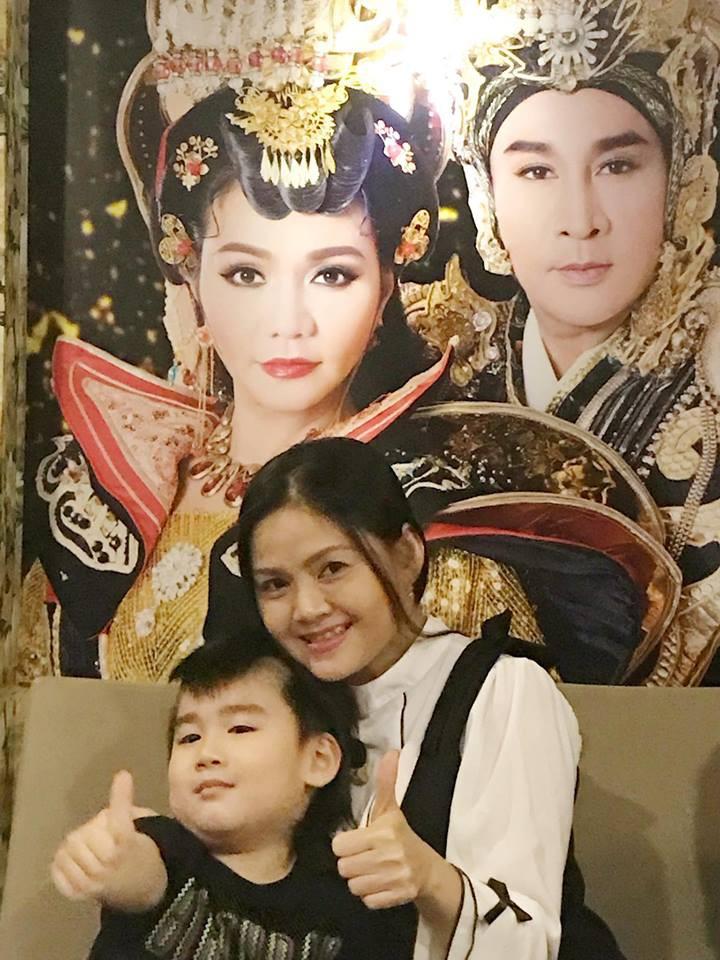 Vợ Kim Tử Long mắng yêu chồng trong buổi họp báo - Ảnh 5.