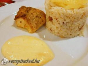 Harcsaszelet citromos mártással és mazsolás rizzsel