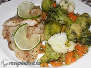 Sült tengeri halfilé párolt zöldségekkel