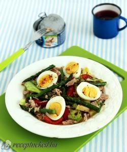 Spárgás-tonhalas saláta