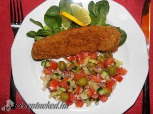 Rántott tengeri hal salátával