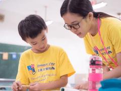 兒童英語營 擔任助教