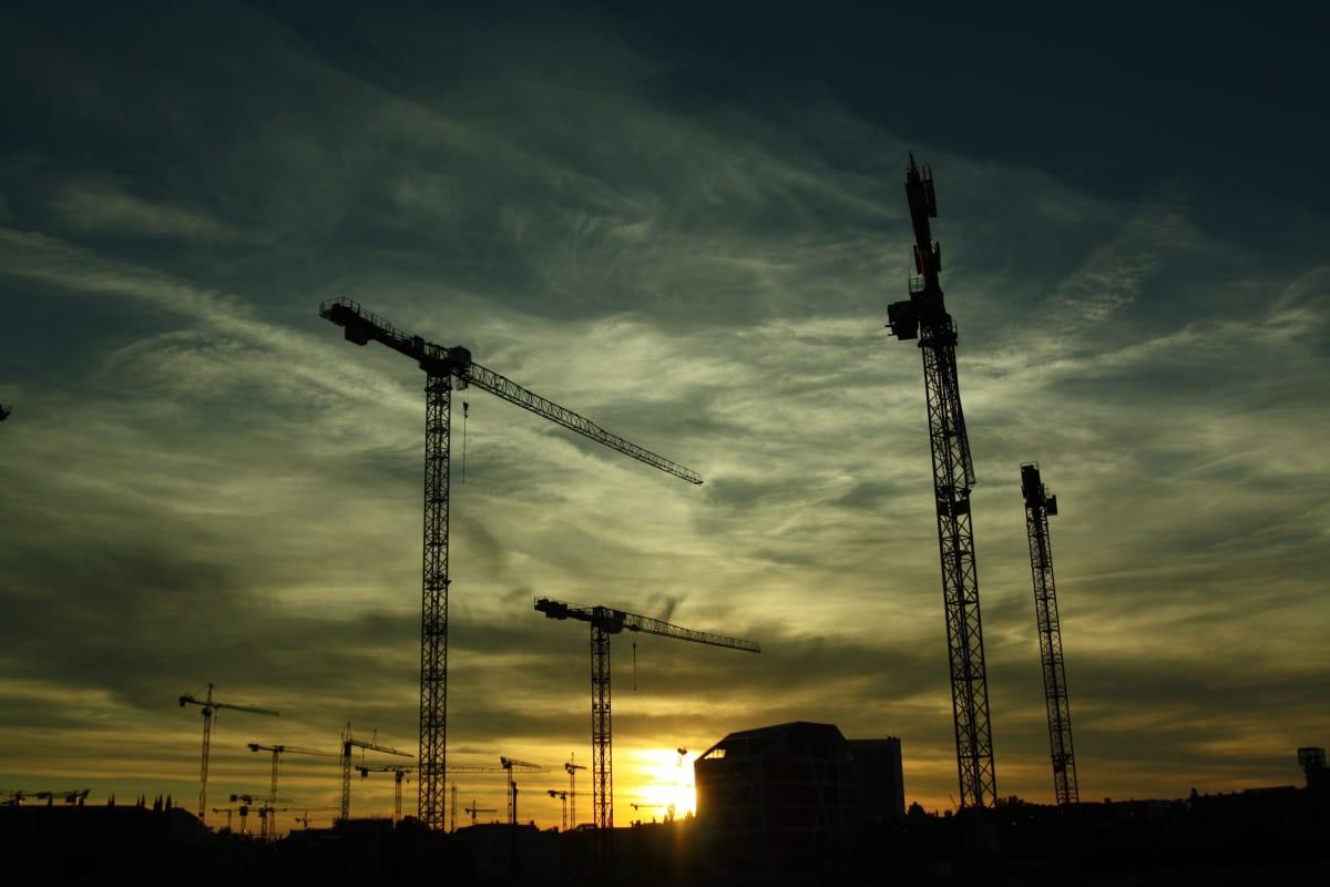 3._constructing-construction-construction-site-12255_chiwn0