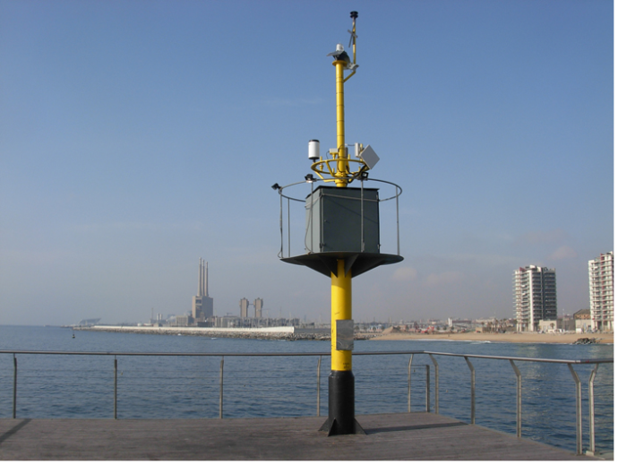 The tower provides measurements of meteorological parameters plus sea conditions for scientific research but also provide useful information for users of the beach.