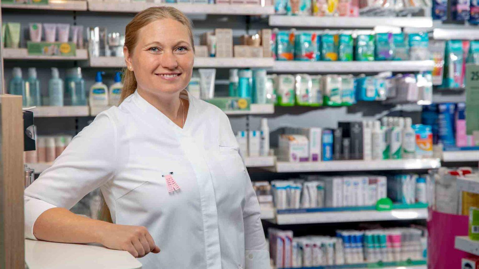 Jessica Albinsson, butikschef för Apotek Hjärtat i Hudiksvall