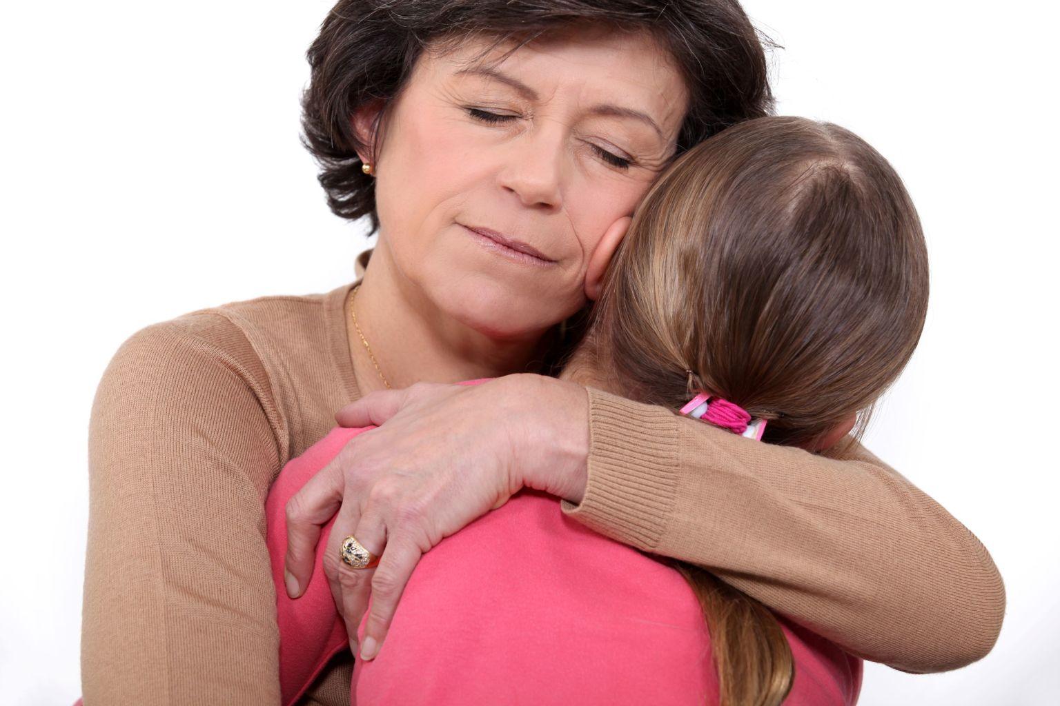 Mamma kramar dotter.