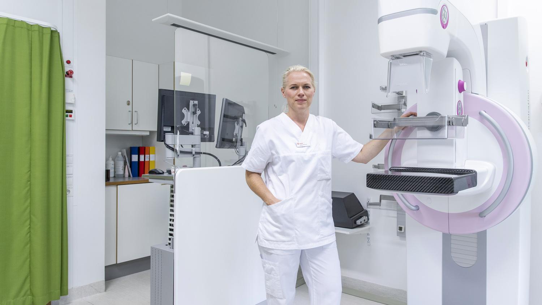 Docent Sophia Zackrisson vid Lunds universitet är en av de  forskare som får stöd för sin forskning från Cancerfonden. Foto: André de Loisted