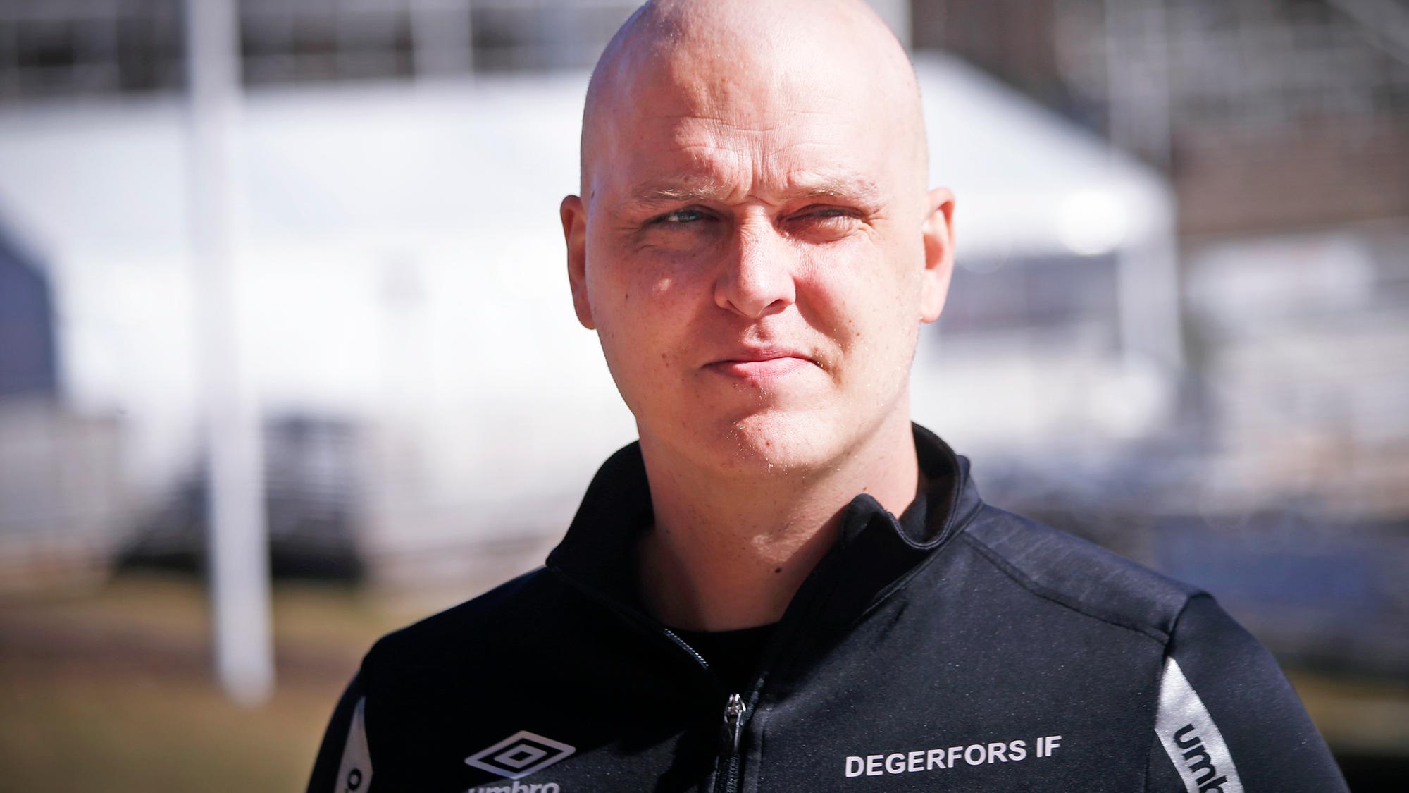 Andreas Holmberg på fotbollsplanen